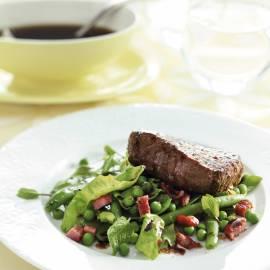 Biefstuk met balsamicojus en groene groenteschotel