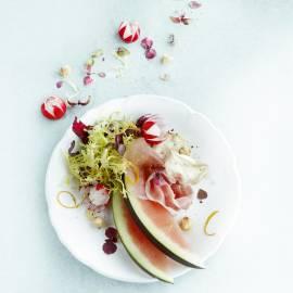 Geitenkaas met parmaham en watermeloen