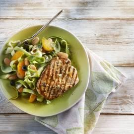 Gemarineerde karbonades met frisse salade