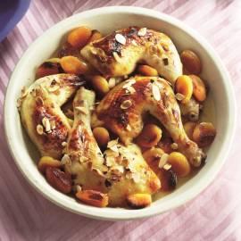 Gestoofde zoete kip met amandelen en couscous