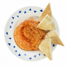 Hummus van rode paprika
