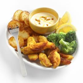 Kipfingers met gebakken aardappels en citroensaus