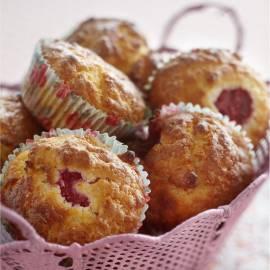 Muffin met frambozen en amandelen