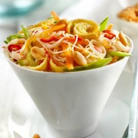 Rijstnoedelsalade met ragfijne groenten