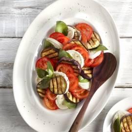 Salade van gegrilde aubergine en mozzarella