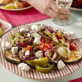 Salade van geroosterde groenten met geitenkaas