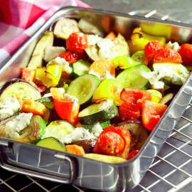 Salade van geroosterde groenten met kerstomaat