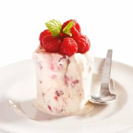 Semifreddo van yoghurt met frambozen