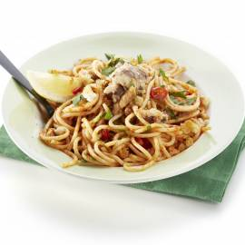 Spaghetti met sardientjes en rode peper