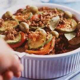 Tian/Provençaalse ovenschotel van courgette, tomaat en gehakt