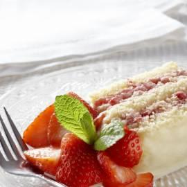 Aardbeien 'mud' cake met witte chocolade