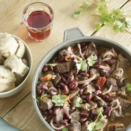 Chili con carne met in rode wijn gestoofd rundvlees