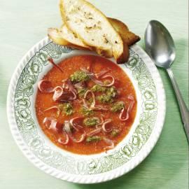 Toscaanse tomatensoep met pesto
