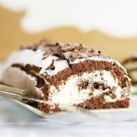 Chocolade-cakerol met advocaatcrème
