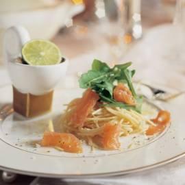 Citroenspaghetti met rucola en zalm