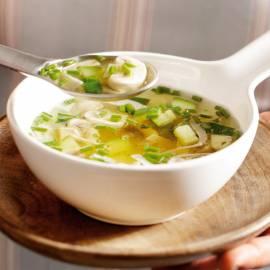 Courgettesoep met kip en champignons