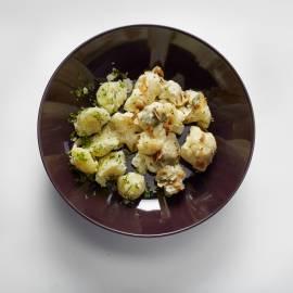 Bloemkoolgratin met blauwe kaas en amandel