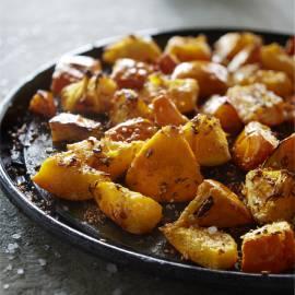 Geroosterde pompoen met sesam en sinaasappel