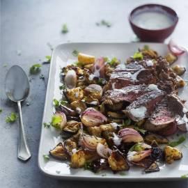 Geroosterde aubergine met komijn en rode ui