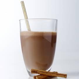 Chocolademelk met kaneel