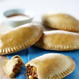 Empanadabroodjes gevuld met zoet gehakt