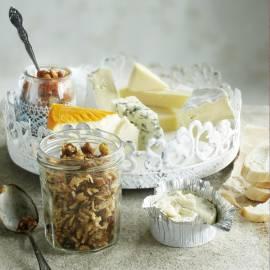 Franse kaas met dadel-notentapenade en vijgenchutney