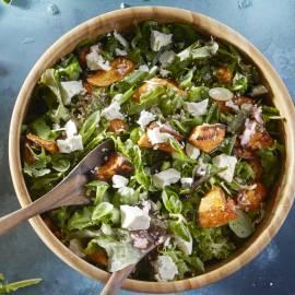 Salade van zoete aardappel met feta en koriander