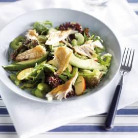 Frisse salade met gerookte makreelfilet