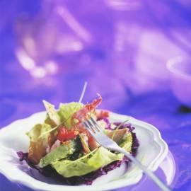 Gebakken garnalen met avocadosalade