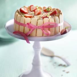 Charlotte van aardbeienmousse