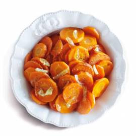 Geglaceerde wortel met gember en knoflook