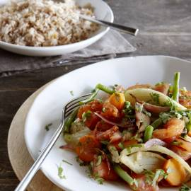 Gekruide groentenstoof met amandelrijst