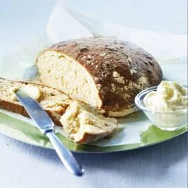 Gemberbrood met gepofte knoflookboter
