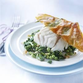 Gepocheerde visfilet met basilicumkrokant