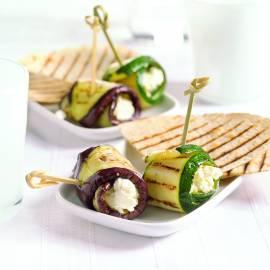 Gegrilde courgette- en auberginerolletjes met roomkaas