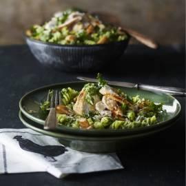 Fusilli met boerenkoolpesto en gegrilde kip