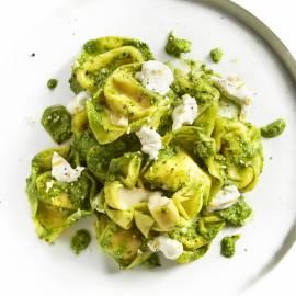 Kaastortellini met spinazie, amandel en ricotta