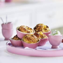 Maisbroodmuffins met abrikozen, amandel en limoenricotta