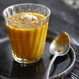 Geurige wortelsoep met citroen en gember