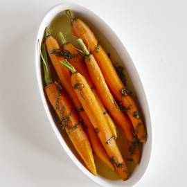 Ovengebakken wortels met basilicum