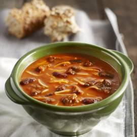 Paprikasoep met rundvlees, kidneybonen en tomaat