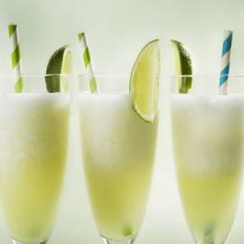 Prosecco-cocktail met limoen