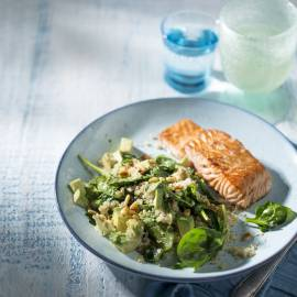 Quinoa met avocado en spinazie