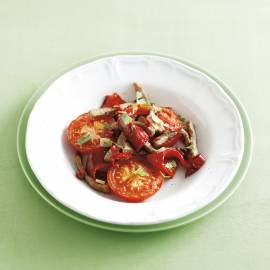 Rode lauwwarme salade met pikant vlees