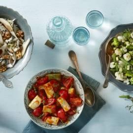 Groene groenten in kruidige dressing