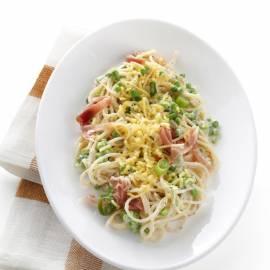 Roomspaghetti met doperwten