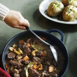 Rundvlees uit de oven met gepofte aardappel