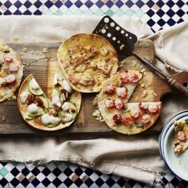 'Flatbread' met pancetta en belegen kaas