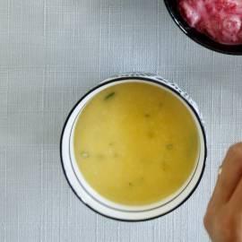 Sinaasappelsaus met rozemarijn