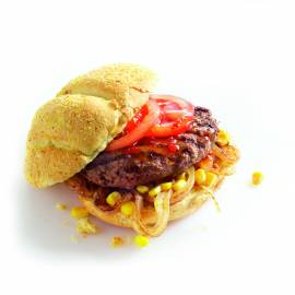 Hamburgers met gebakken ui en mais